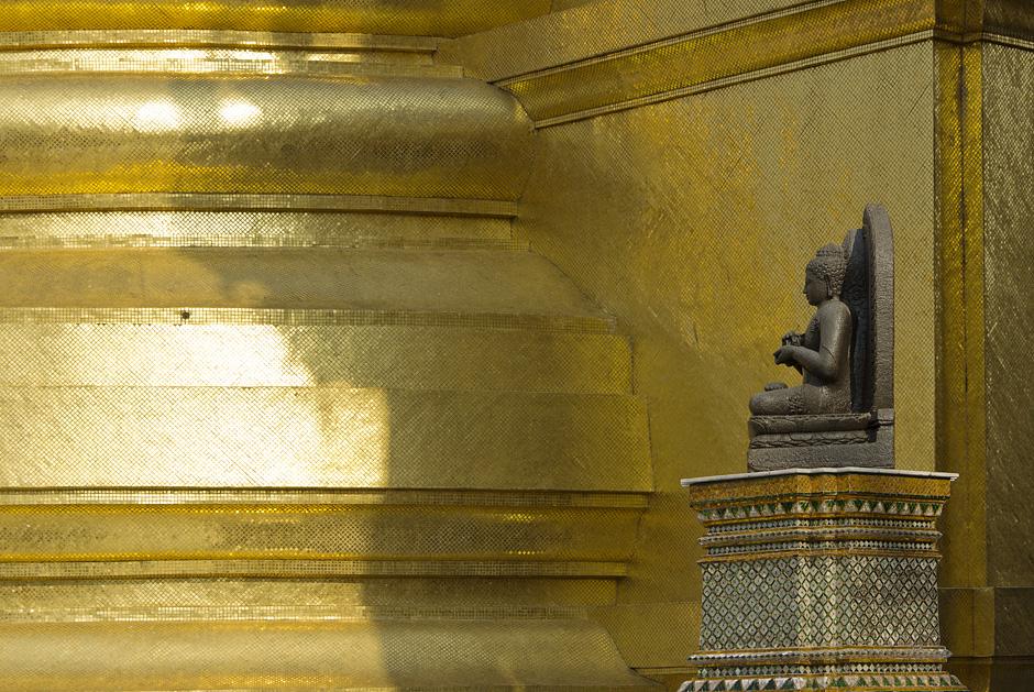 Bangkok, Wat Phra Kaeo, Phra Siratana Chedi