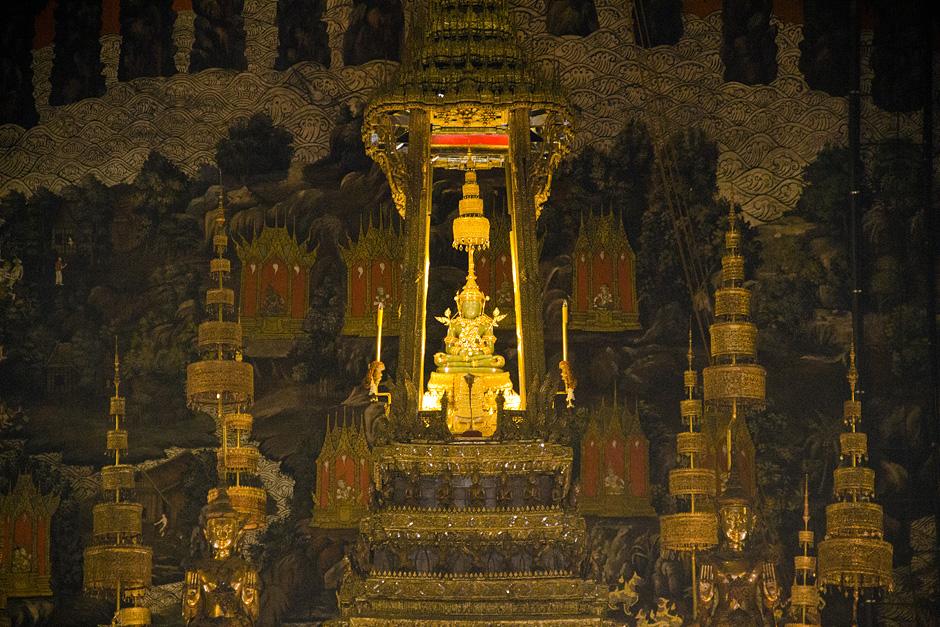 Bangkok, Wat Phra Kaeo, Phra Ubosot, Emerald Buddha