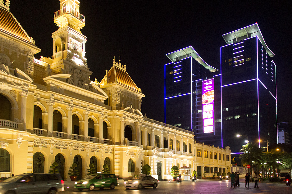 Ho Chi Minh City, District 1, Rathaus bei Nacht