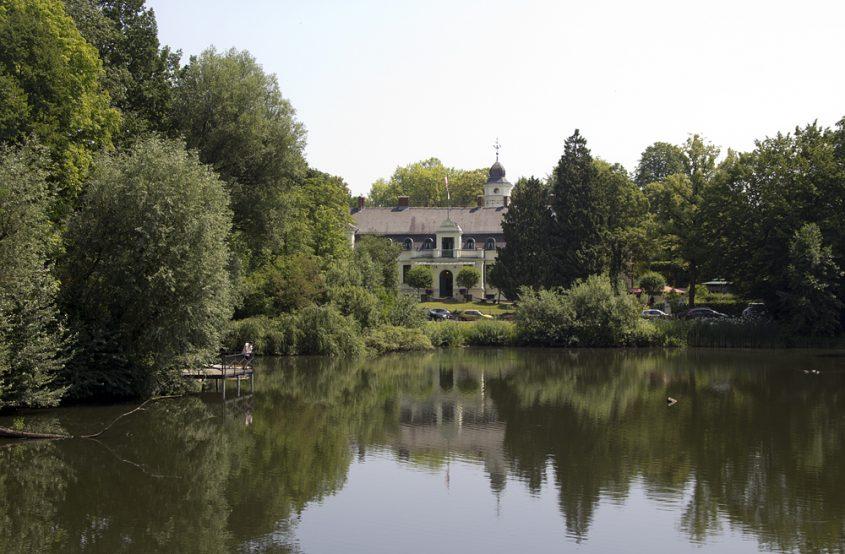 Schloss Britz, Teich