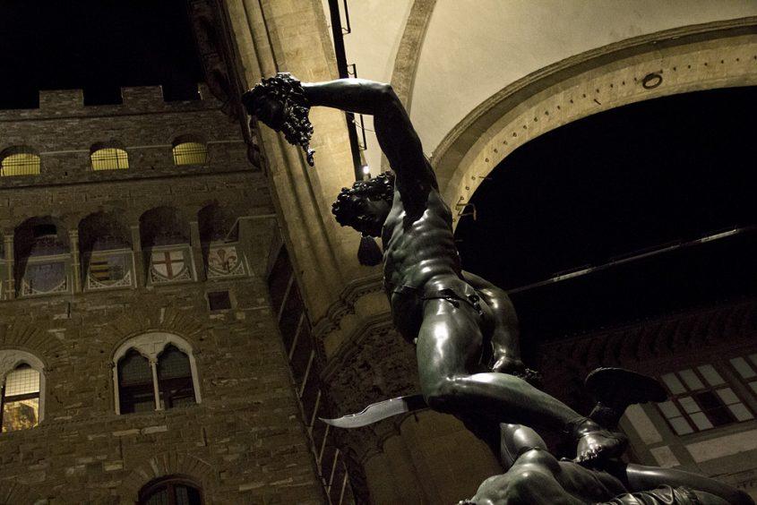 Florenz bei Nacht, Loggia dei Lanzi, Perseus