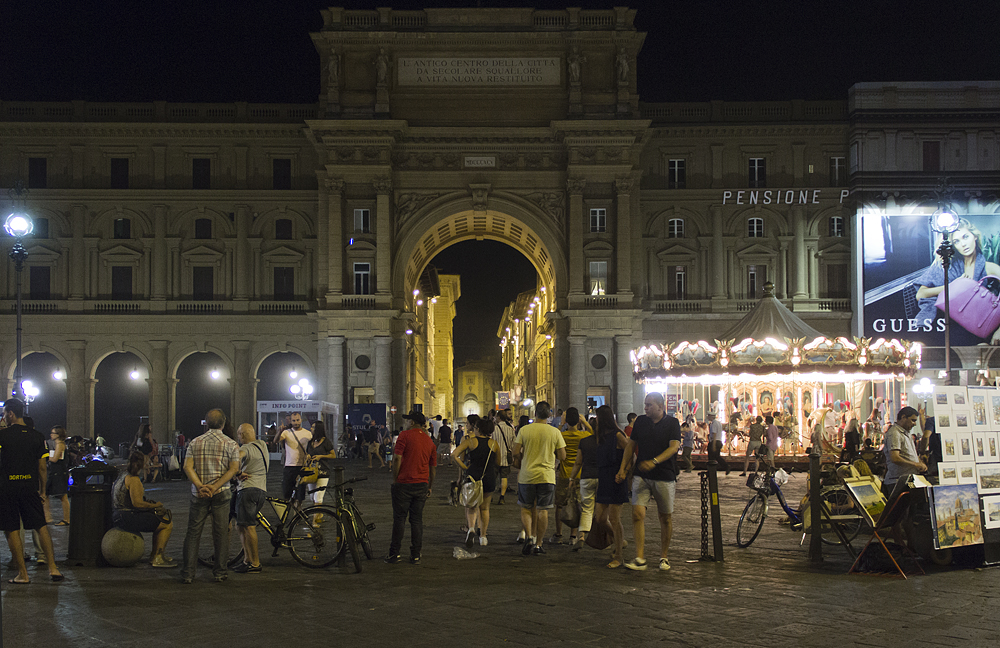 Florenz bei Nacht, Piazza della Repubblica
