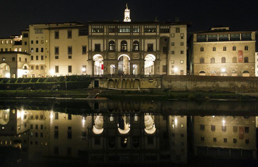Florenz bei Nacht, Uffizien