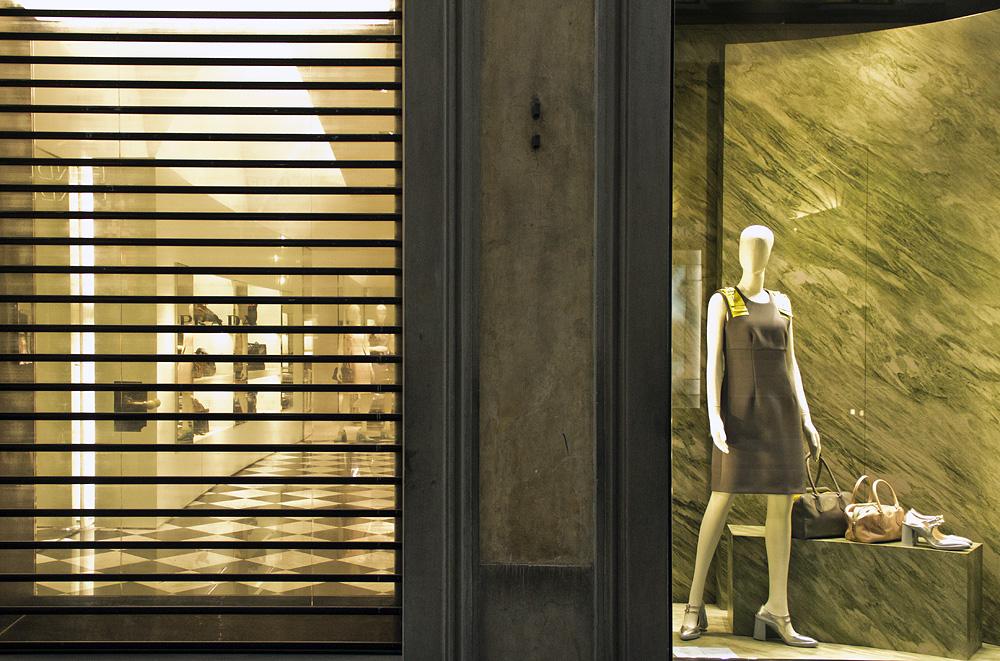 Florenz bei Nacht, Via dei Tornabuoni, Prada