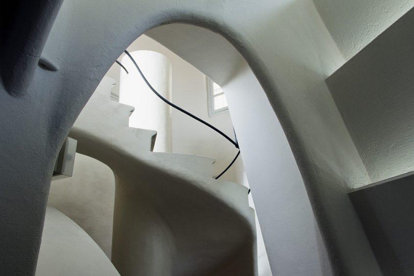 Barcelona, Casa Batlló von Antoni Gaudi, Treppe zur Dachterrasse