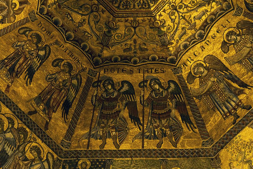 Battistero di San Giovanni, Kuppelmosaik, Engel