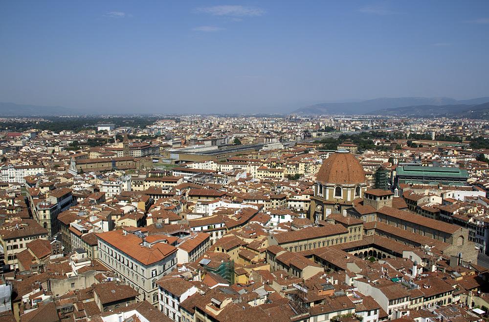 Florence, Dom Santa Maria del Fiore, Blick vom Campanile zum Banhof und zu San Lorenzo