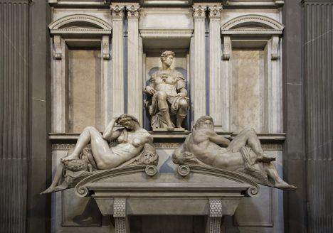 Florenz, Grabmal Giuliano de' Medicis von Michelangelo in der Neuen Sakristei (mit Allegorien der Nacht und des Morgens)
