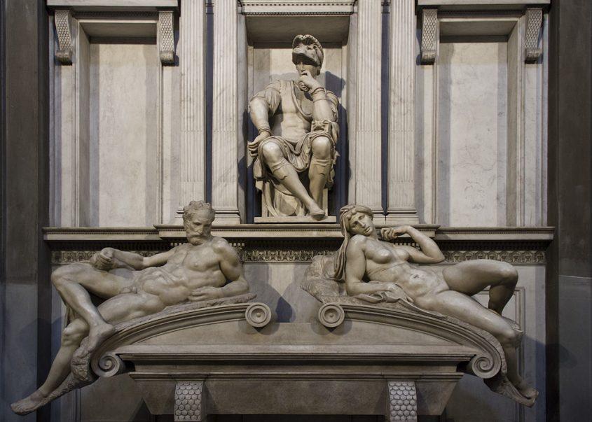 Florenz, Grabmal Lorenzo de' Medicis von Michelangelo in der Neuen Sakristei (mit Allegorien des Morgens und des Abends)