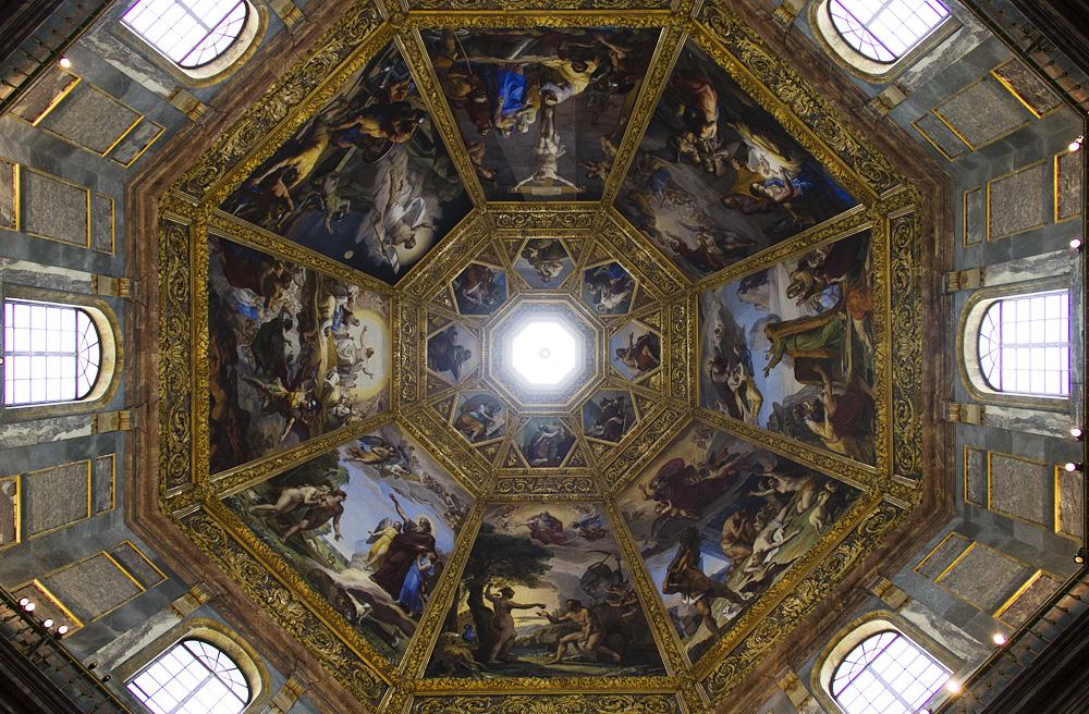 Florenz, San Lorenzo, Deckenfresko von Pietro Benvonuti in der Capella dei Principi