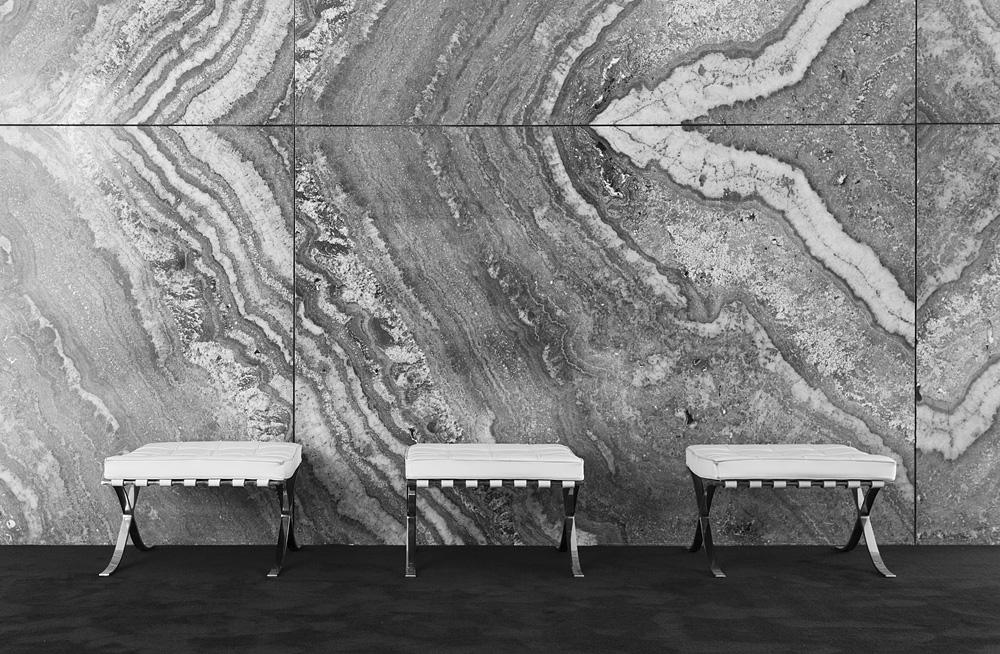 Barcelona, Hocker, Rekonstruktion des Deutschen Pavillons von Mies van der Rohe zur Weltausstellung 1929