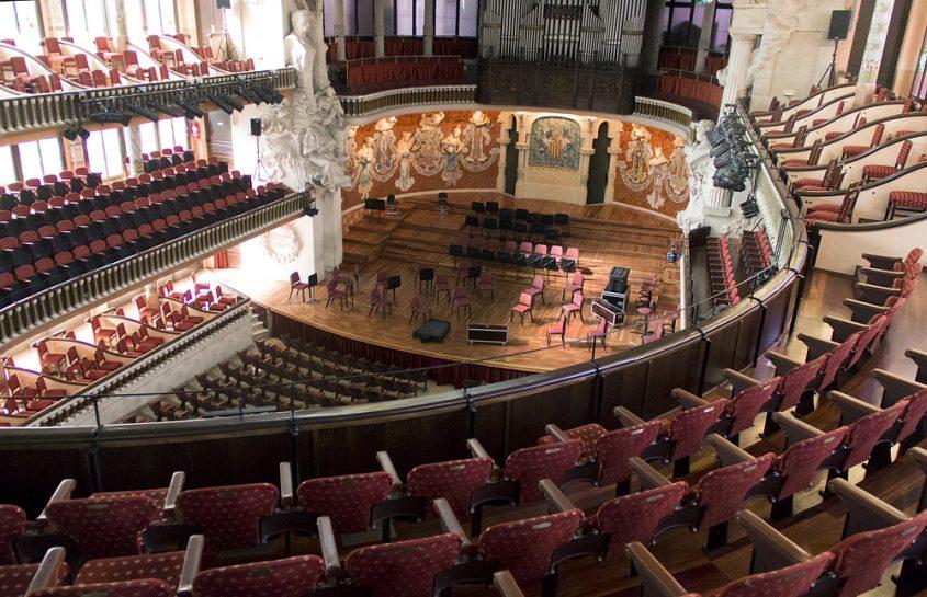 Barcelona, Palau de la Música Catalana, Konzertsaal Blick vom zweiten Rang zum Parkett