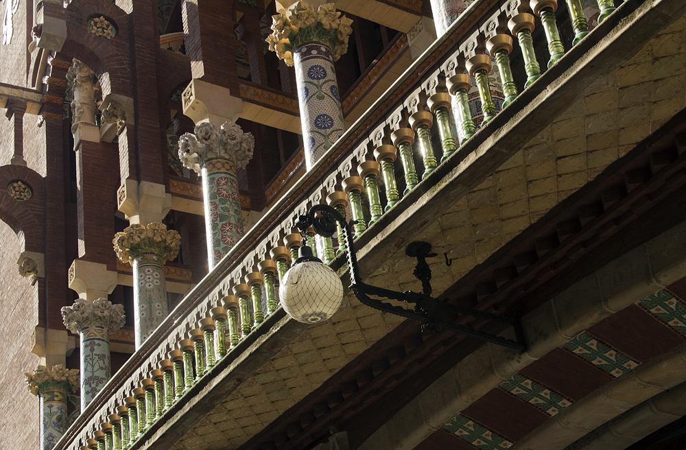 Barcelona, Palau de la Música Catalana, Fassade, Säulen