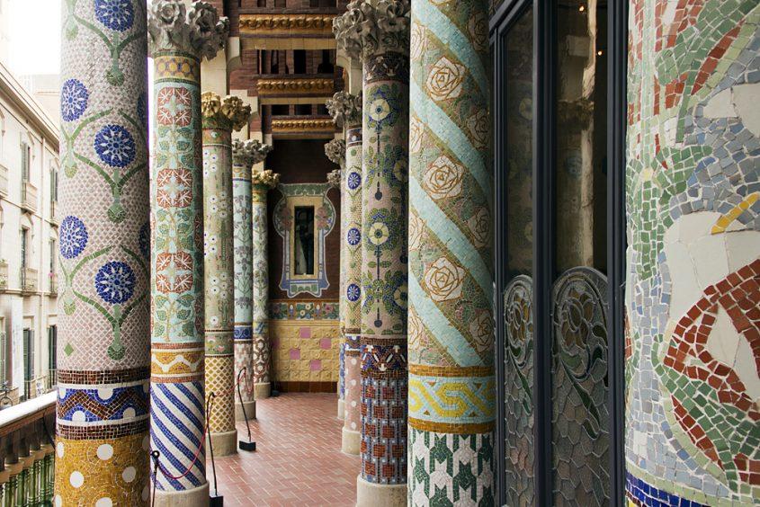 Barcelona, Palau de la Música Catalana, Säulen vor der Sala Lluis Millet