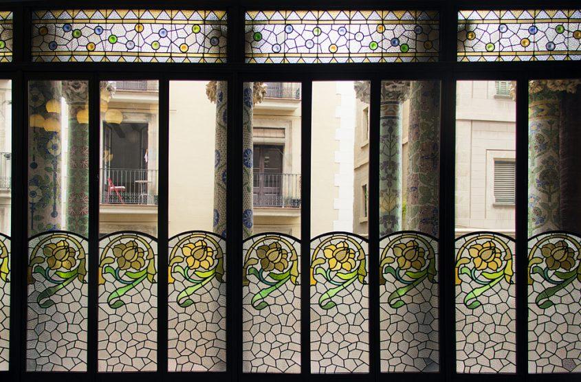 Barcelona, Palau de la Música Catalana, Buntglasfenster in der Sala Lluis Millet