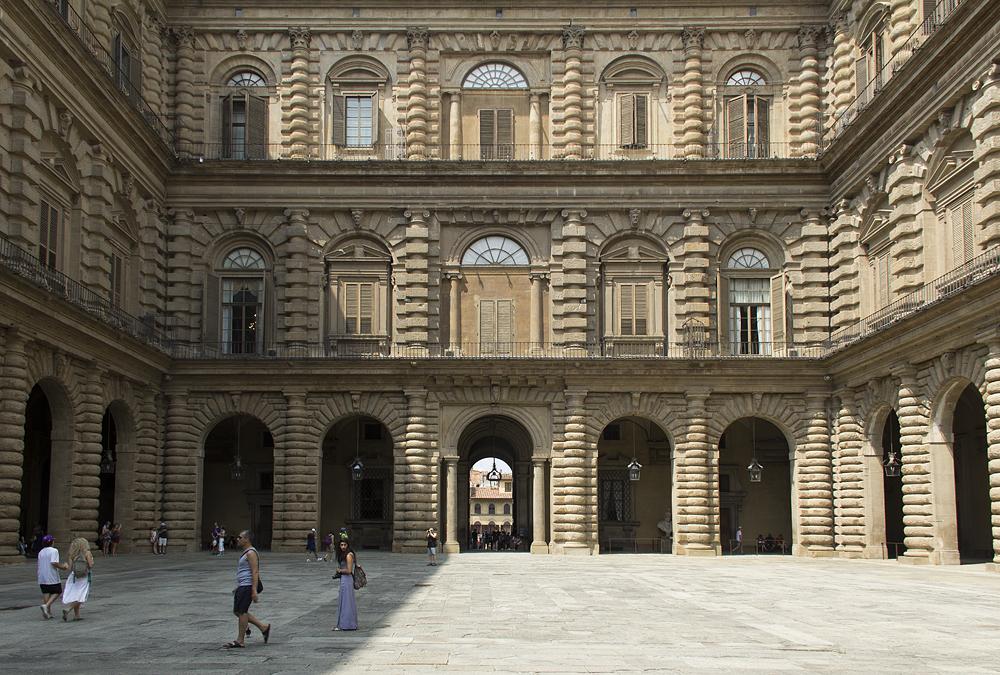 Palazzo Pitti, Cortile dell' Ammannati