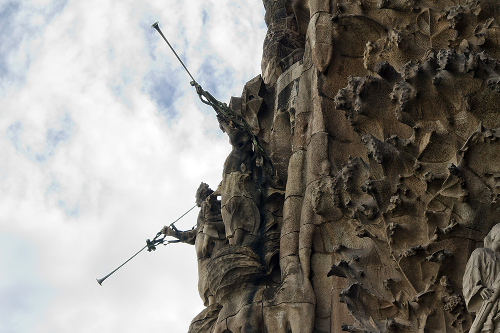 Barcelona, Sagrada Familia, Antoni Gaudi, Geburtsfassade, Engel mit Trompeten