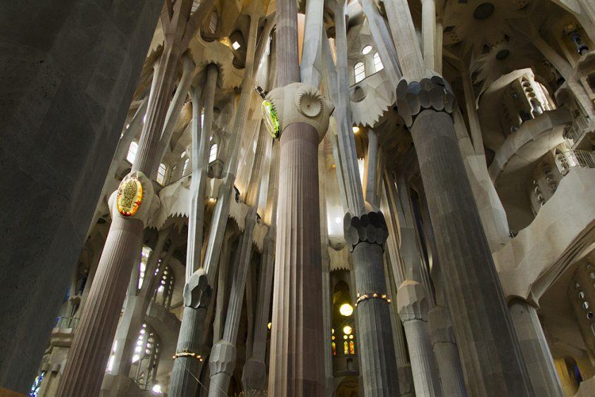 Barcelona, Sagrada Familia, Vierung mit Säulen der vier Evangelisten
