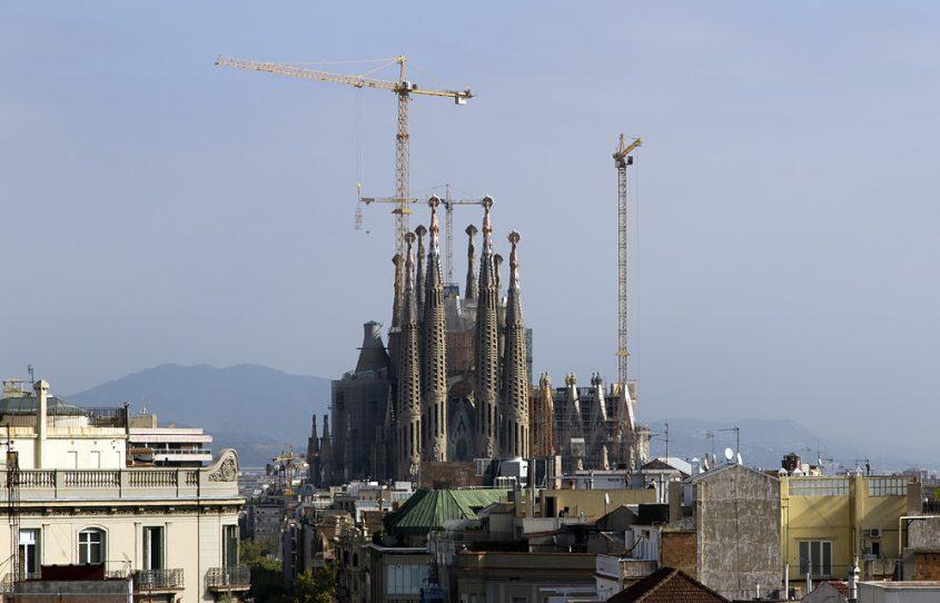 Barcelona, Sagrada Familia,Gaudi, Blick von der Casa Mila