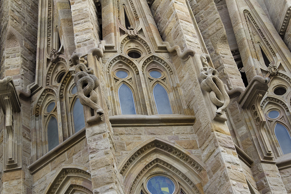 Barcelona, Sagrada Familia, Schlangen an der Fassade