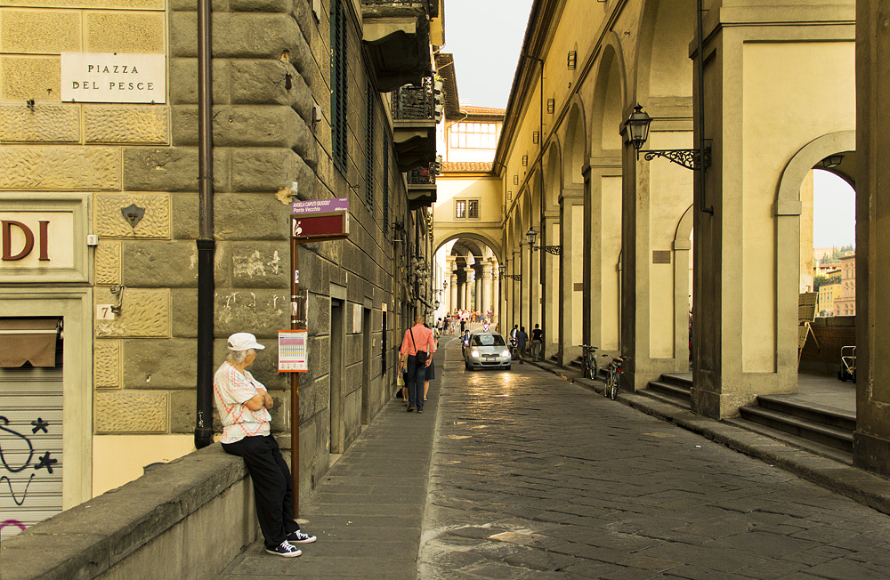 Firenze, Lungarno degli Archibusieri, Corridoio Vasariano
