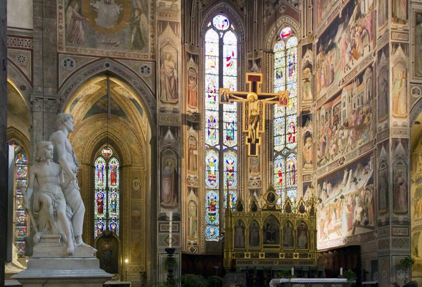 Florenz, Santa Croce, Kenotaph Leon Battista Albertis von Lorenzo Bartolini und Hauptchorkapelle