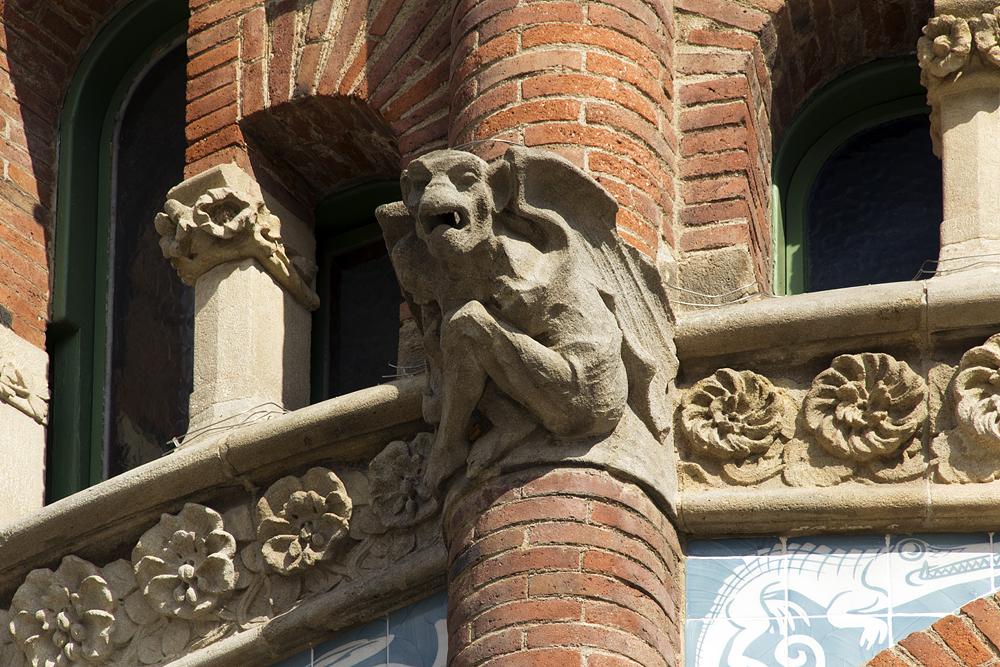 Barcelona, Hospital de la Santa Creu i Sant Pau, Gargoyle