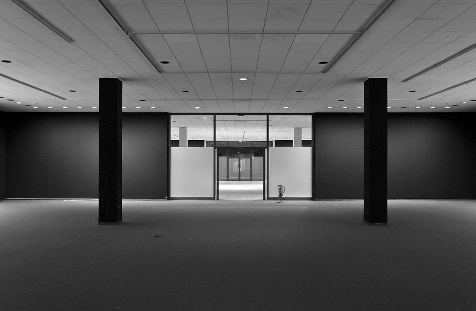 Neue Nationalgalerie, Berlin, Mies van der Rohe, Ausstellungsraum im Untergeschoss