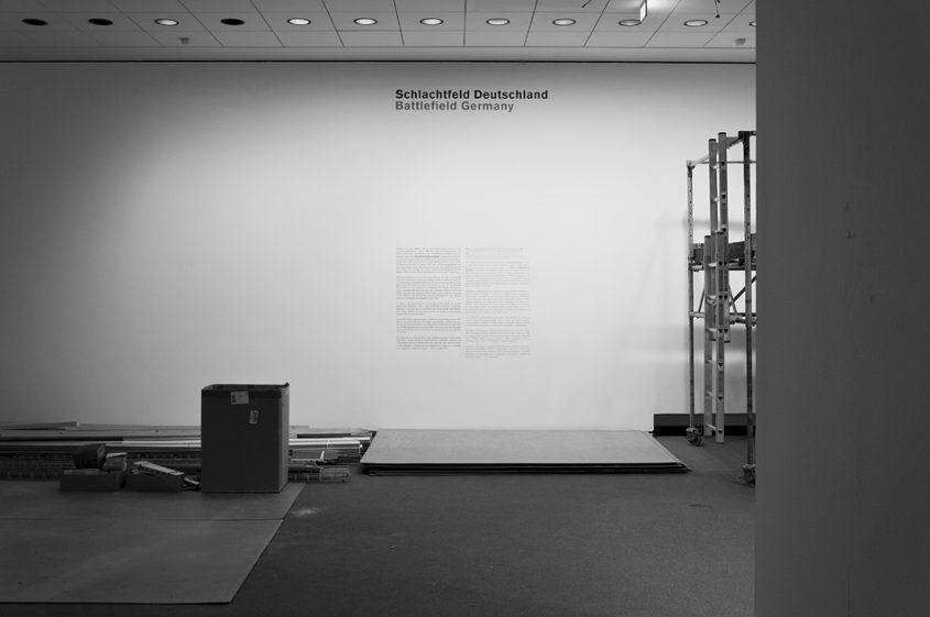 Neue Nationalgalerie, Berlin, Mies van der Rohe, Ausstellungsraum im Untergeschoss, Ausweitung der Kampfzone