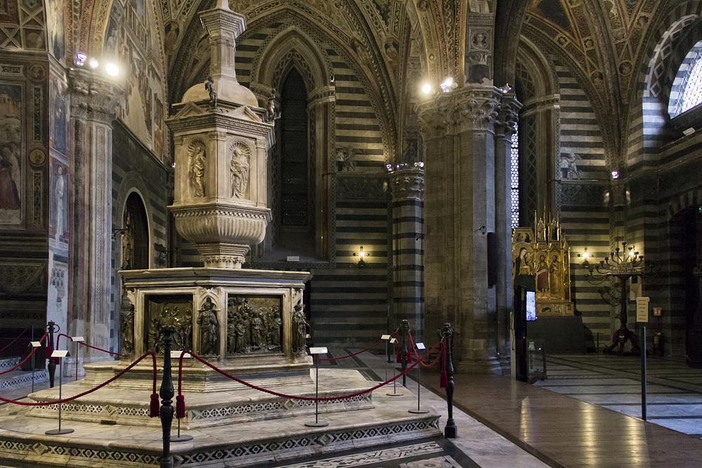 Duomo di Siena, Taufbecken im Baptisterium