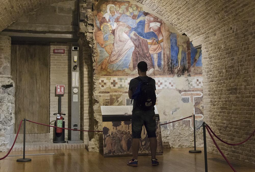 Duomo di Siena, Fresko in der Krypta