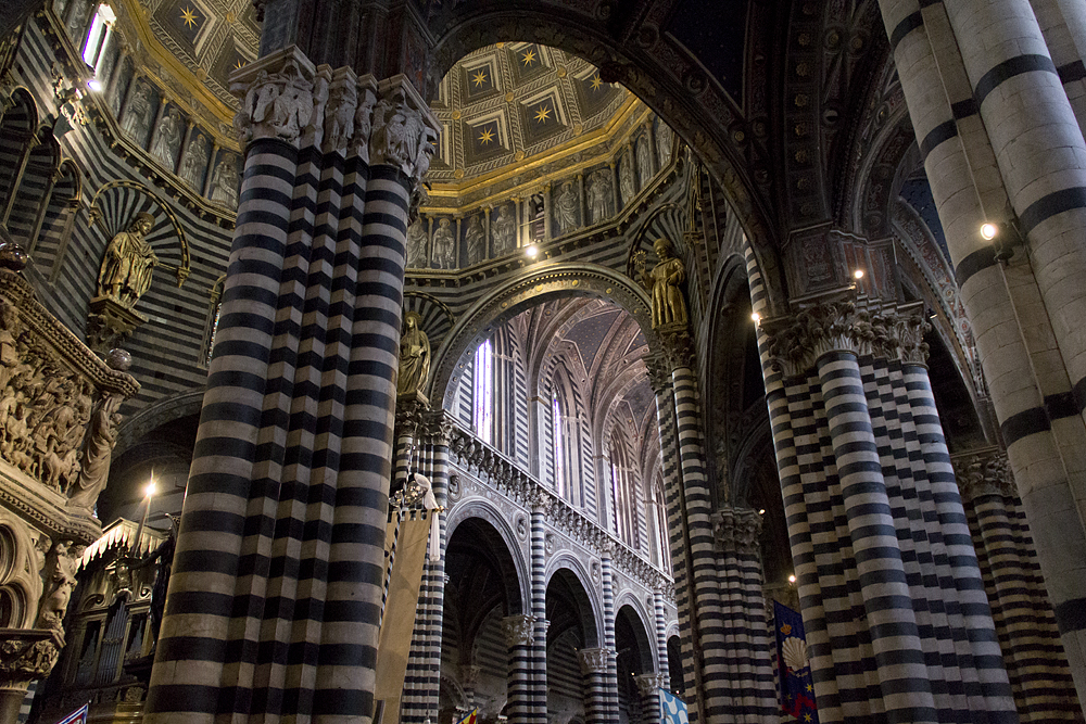 Duomo di Siena, Innenraum und Kuppel