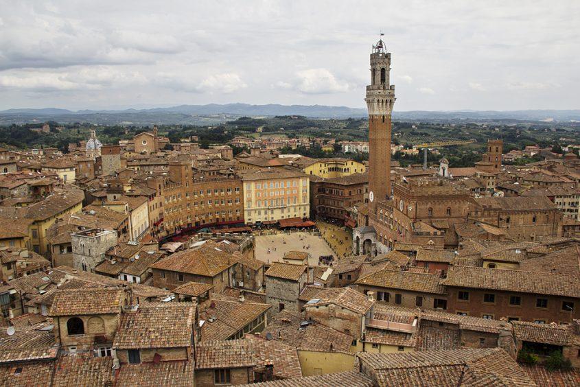 Panorama del Facciatone, Blick zum Piazza del Campo
