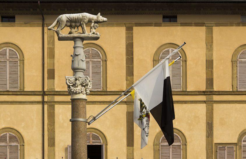 Siena, Wölfin mit Romulus und Remus auf der Piazza del Duomo