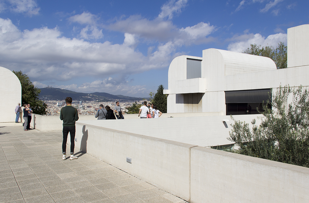 Barcelona, Parc de Montjuïc, Dach der Fundació Joan Miró