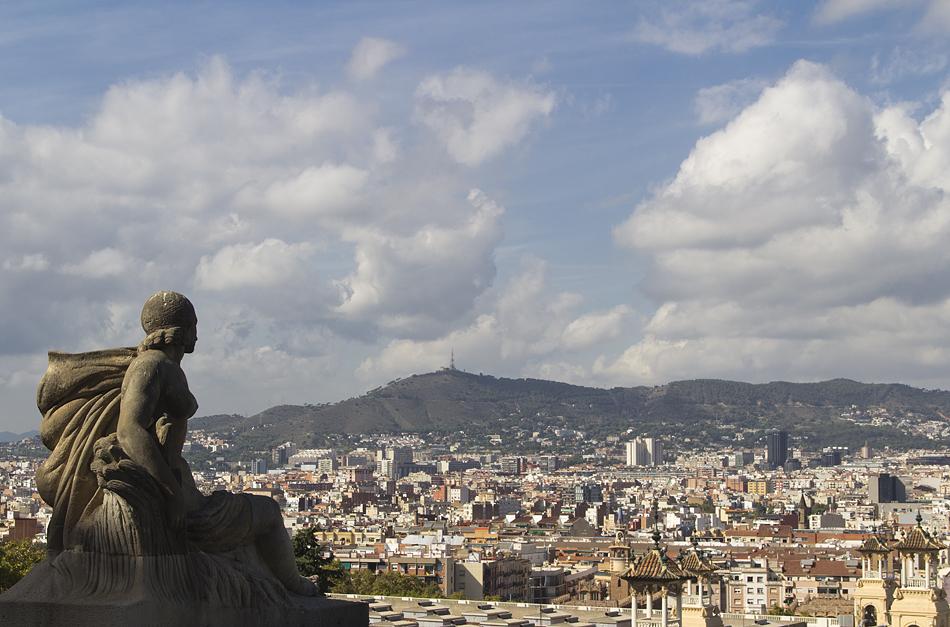 Barcelona,  Montjuïc, Palau Nacional, Blick zum Fernsehturm