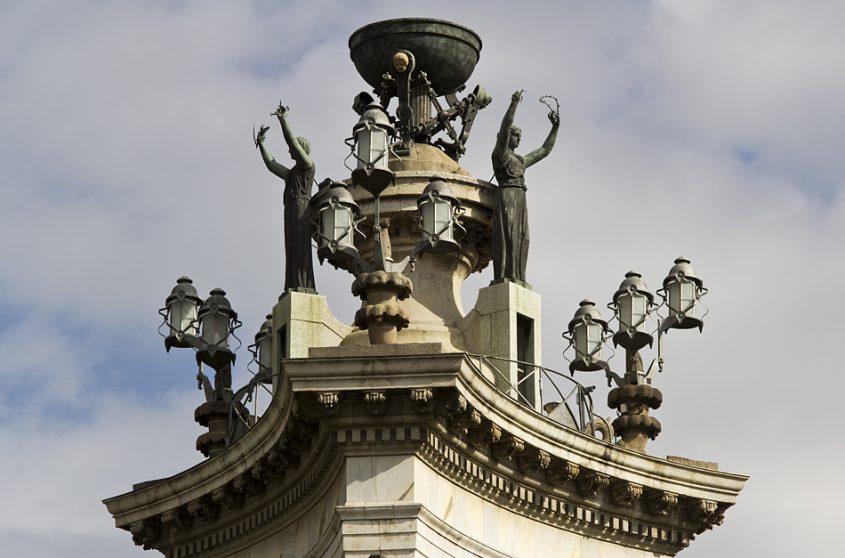Barcelona, Brunnen von Josep Maria Jujol auf der Plaça d'Espanya
