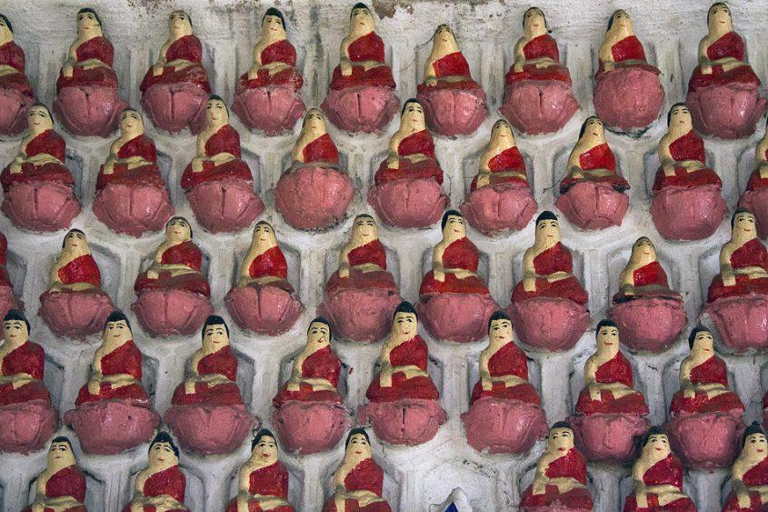 Yangon, Sein-Yaung-Chi-Pagode, Buddha-Figuren