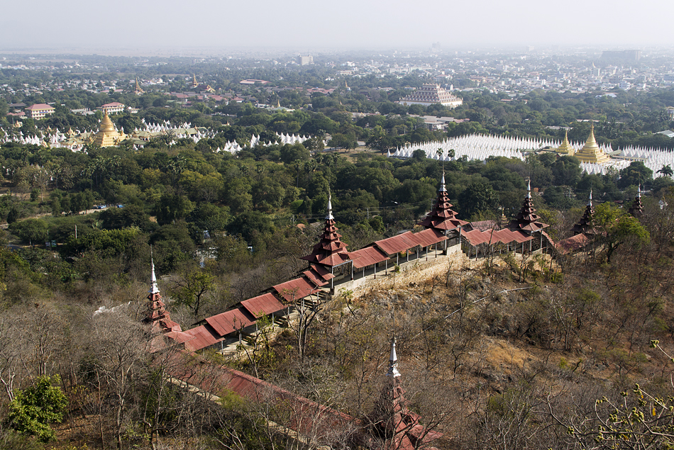 Mandalay, Treppenaufgang am Mandalay Hill