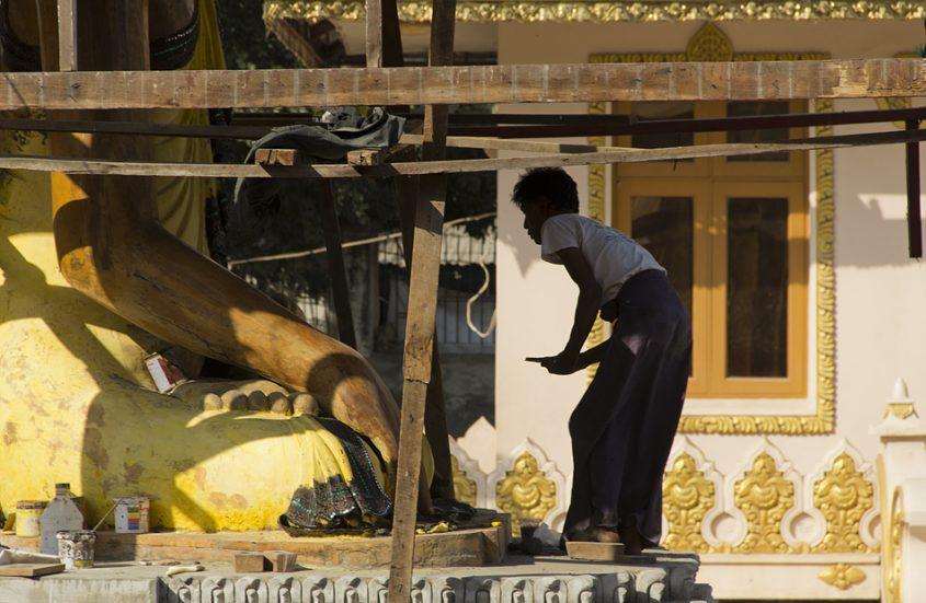 Mandalay, Buddha in der Kaw-Tha-Pagode