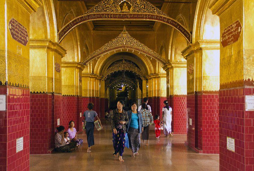 Mandalay, Mahamuni-Pagode