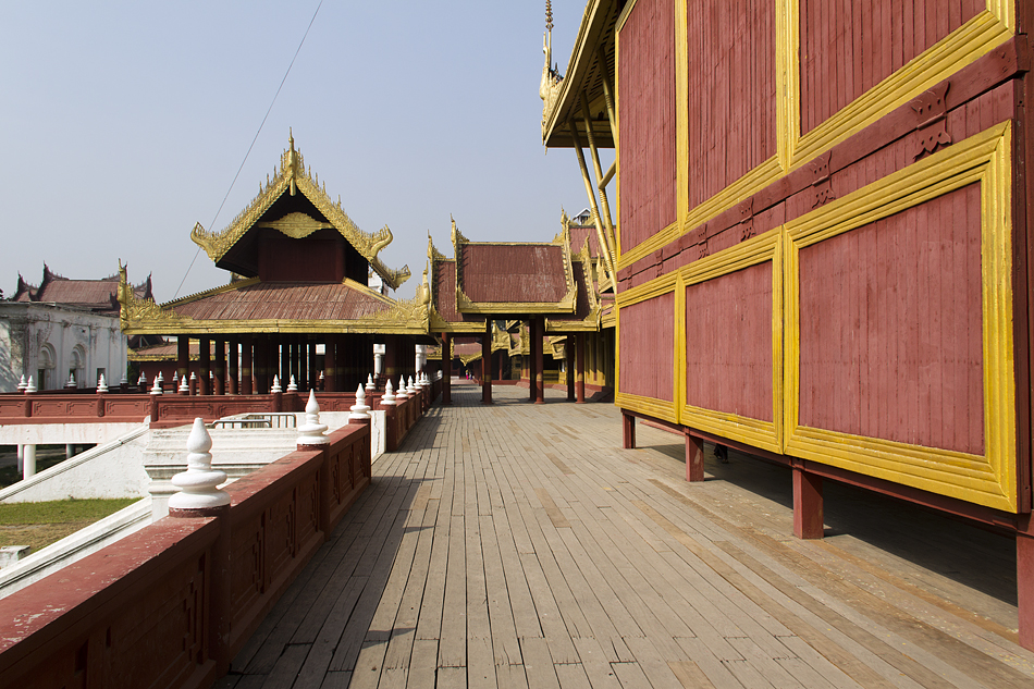 Mandalay, Myanansankyaw Golden Palace