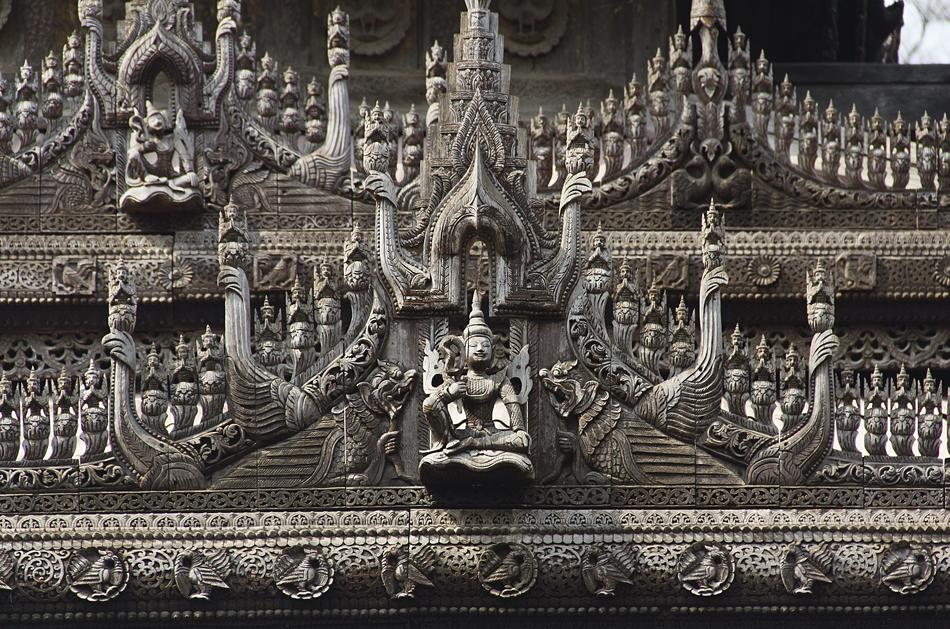 Mandalay, Schnitzereien am Shwenandaw-Kloster