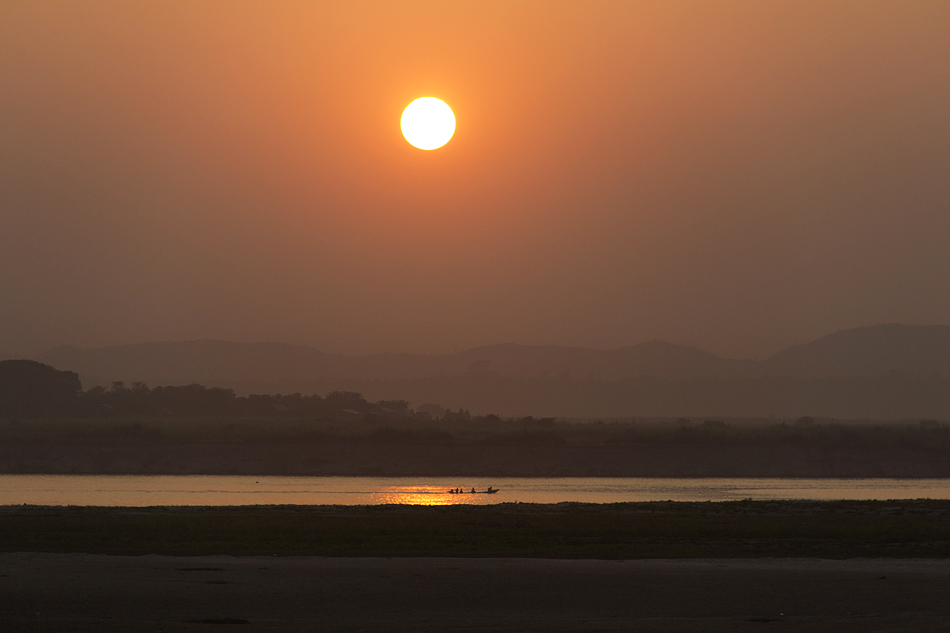Mandalay, Sunset Point, Irrawaddy River , Sonnenuntergang