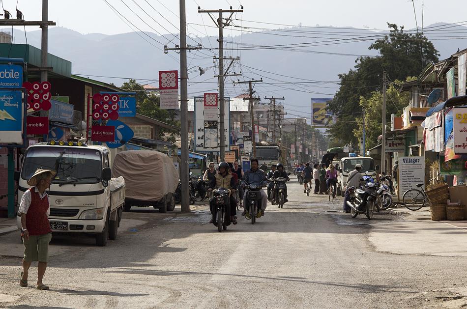 Myanmar, Nyaung Shwe, Hauptstraße
