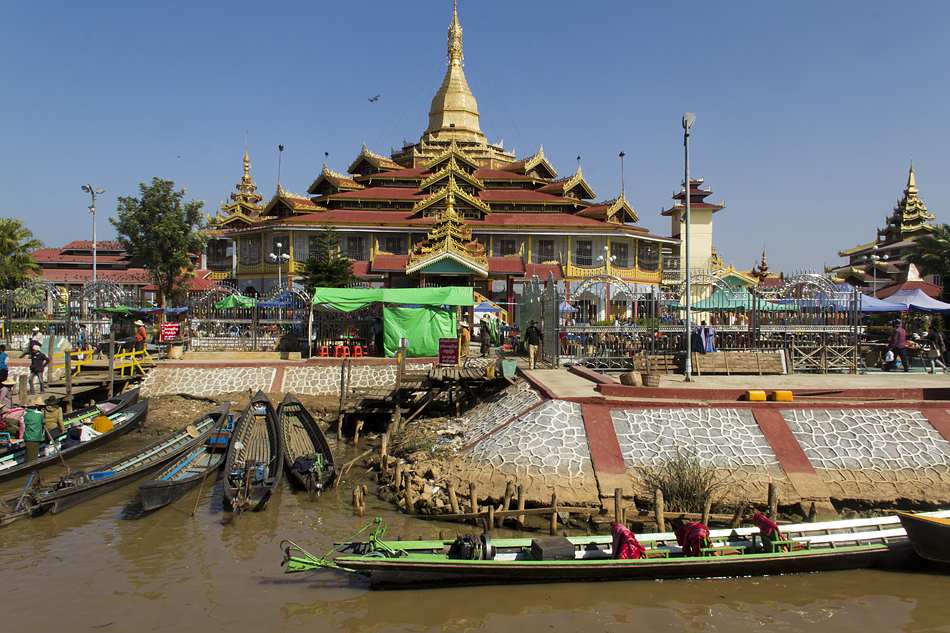 Myanmar, Inle-See, Phaung-Daw-U-Pagode