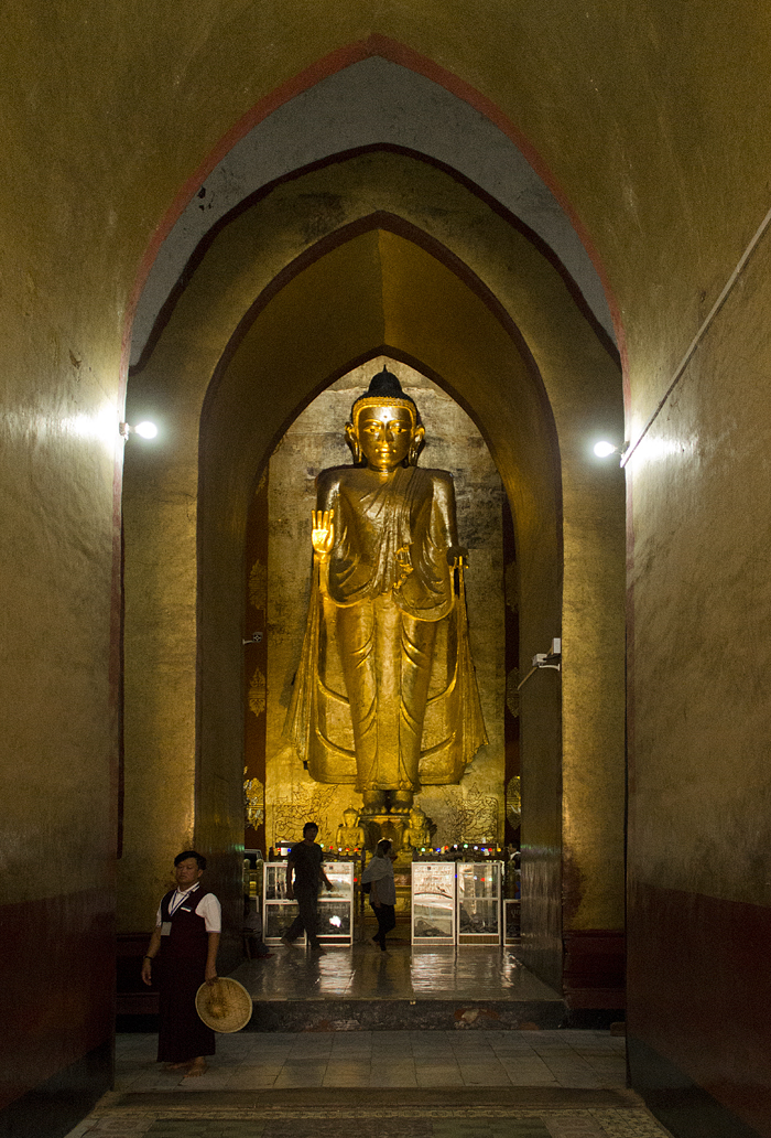 Buddha im Ananda-Tempel