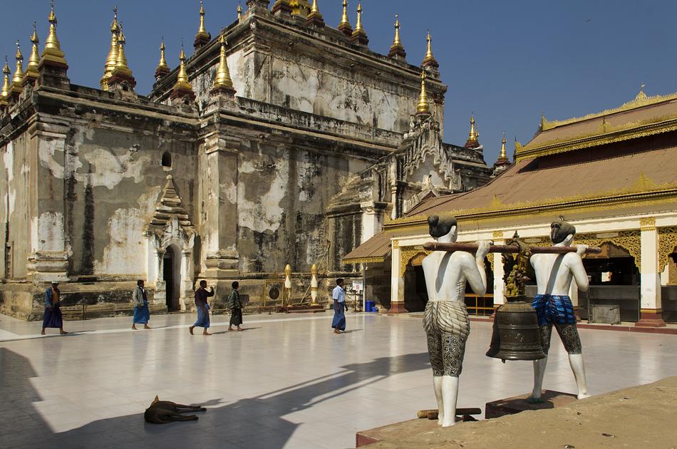 Bagan, Manuha-Tempel