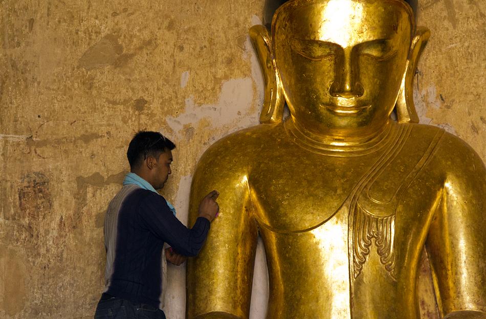 Bagan, Goldener Buddha im Sulamani