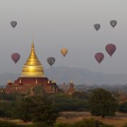Bagan, Blick vom Thisawadi- zum Dhammayazika-Tempel